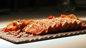 Tataki de atún rojo en Restaurante Tamarises Izarra